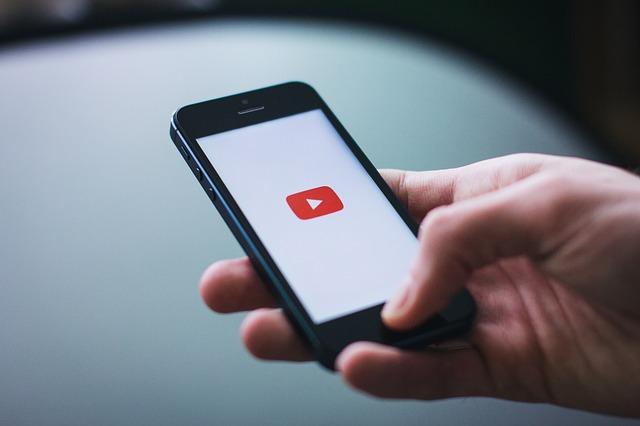 youtube v mobilu
