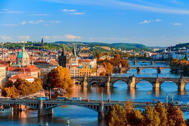 mosty přes řeku.jpg