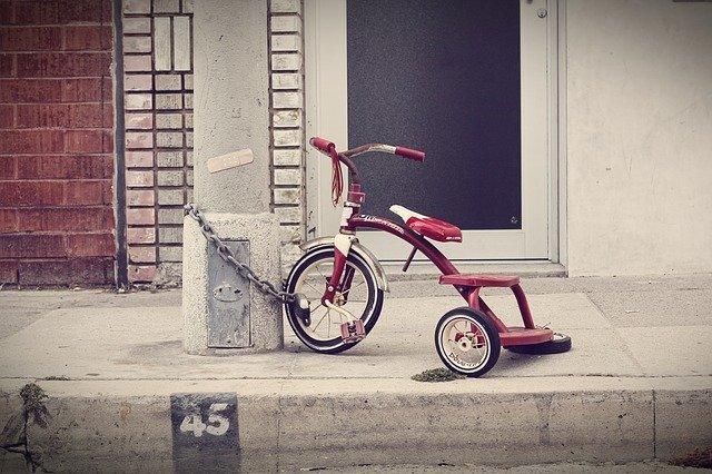 dětská tříkolka.jpg